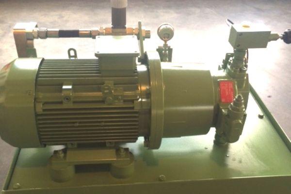 aggregat-hp103738A80-5CCA-FFFC-D32A-AEA03BD7B023.jpg
